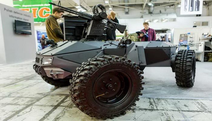 أوكرانيا تستعد لحرب المستقبل بالعربات البرية القتالية الغير مأهولة UGVs. 1000078